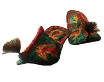 Original Uzbek national slippers of different colors. Slippers from silk threads.