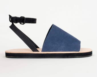 PIVOT navy + black nubuck sandal