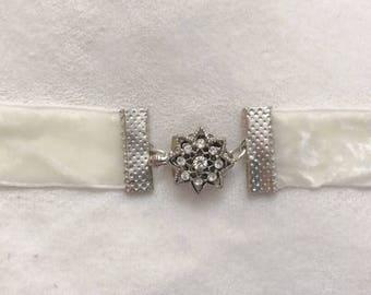 Snowflake Crystal   Crushed Velvet   Choker