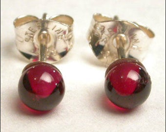 Garnet 4mm Round Studs Earrings - Sterling Silver