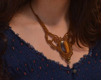 Macrame necklace with tiger eye cabochon stone