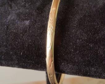 Beautiful 10 kt gold Bracelet Diamond cut design
