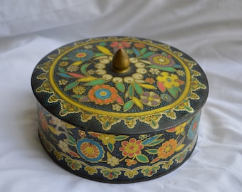 Antique Tin with lid. Early 1900's  FREE SHIPPING!