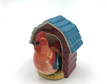 Hen in the Coop Salt & Pepper Shaker Set