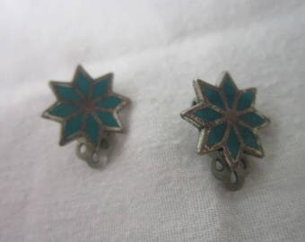 Vintage Native American Sterling Silver & Inlaid Turquoise Flower Clip on Earrings