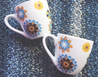 Small vintage flower cups