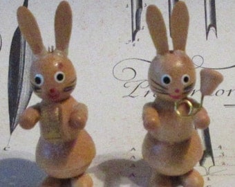"Wood Vintage Germany Wooden 2 Easter Bunny Musicians Hand Made Easter Rabbit Decoration 2-1/2"" Tall"