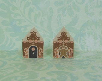 Dollhouse Miniature Pair of Gingerbread House Stand Up Decorations with Pink