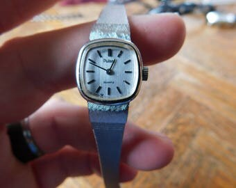 Vintage Pulsar Silver Tone watch with fresh battery and Free Shipping in usa