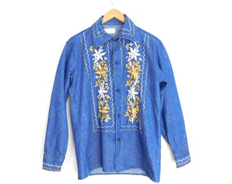 Sz 40 1970s Men's Embroidered Denim Shirt - Vintage Mexican Floral Embroidery Button Front Long Sleeve Shirt