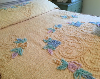 vintage chenille bedspread bright golden yellow full or queen coverlet blanket - Chenille Blanket