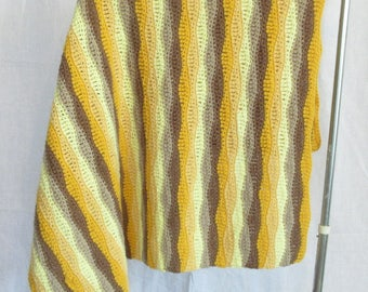 Vintage crochet throw blanket, yellow wavy stripes, hand made lap blanket, mid century vibe, golden yellow, butter yellow, beige and brown