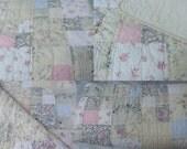 Beautiful Vintage Rachel Ashwell Treasures Postage Stamp Quilt Full Size sewbuzyb