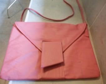 vintage Kuang Huei envelope style purse pink