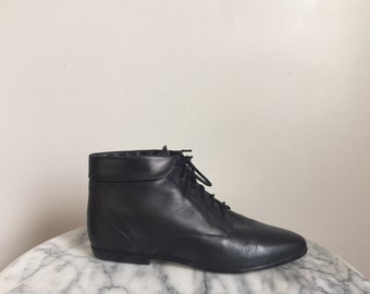 Hunt Club - 90's Black Leather Cuffed Ankle Booties. Size 7.5