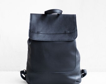 Leather Backpack in Black / Leather Backpack / Leather Bag / Black Leather Bag / Big Backpack / Black Backpack / Laptop Backpack