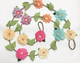 Flower Garland, Spring Flowers, Felt Flower Garland, Posable Twine, Floral Garland, Wedding and Party Decoration, Gift under 50