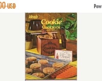 On Sale 1978 Cookie Cookbook by Darlene Kronschnabel, Ideals, Bar Cookies, Butter & Dairy Cookies, Meringue, Nut, Chocolate Cookies, Sugar a