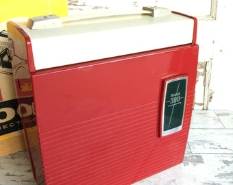 Vintage Kodak 300 Slide Projector Red Bakelite -Fully Functioning in Excellent Condition