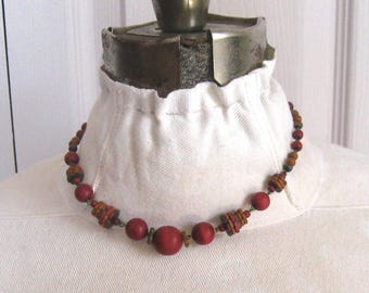 vintage wood bead necklace . wooden child's necklace . 50s wood necklace . wood bead choker