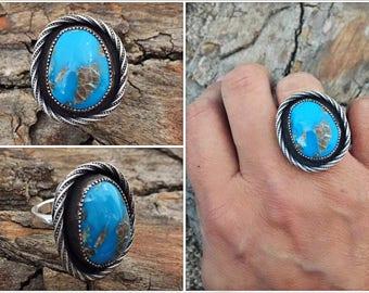 Sterling Silver - Lasso Framed Kingman Turquoise Ring