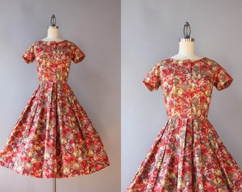Vintage 50s Dress / 1950s Dress / 50s Full Skirt Pleated Cotton Floral Dress Small S