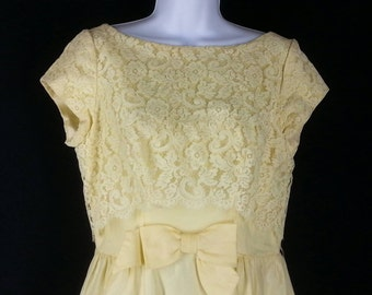 Vtg 60s yellow maxi dress with lace covered bodice size medium chest 38