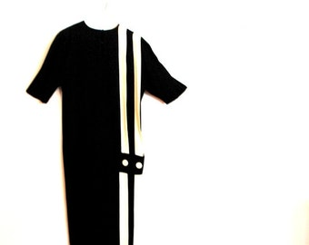 Mod vintage 80s black rayon dress with white details. Made by Neiman Marcus. Size M.