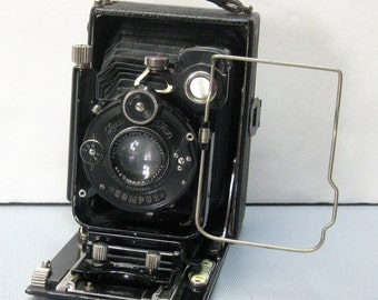 Gorgeous Zeiss Ikon Folding 2 1/2 by 3 1/2 inch Glass Plate Camera with Leather Case