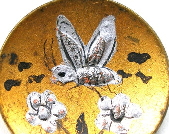 """LG Antique BEE BUTTON, 1800s Victorian Insect with flowers on brass. 1 1/16""""."""