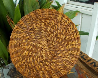 Hand Woven Long Pine Needle Round Trivet / Low Country South Carolina Art / Coastal Home Decor