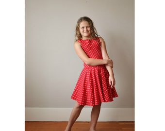 1970s Dot & Twirl Dress >>> Girl's Size 8/10