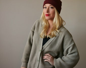 1980s Taupe Boyfriend Cardigan >>> Size Extra Small to Large (One Size fits Most)
