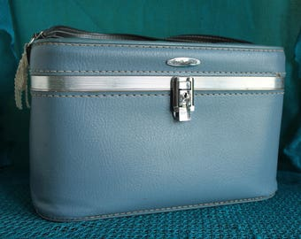 Vintage Featherlite Train Case -blue