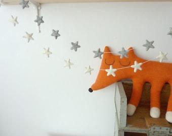 Stars garland - Minimalist modern and rustic style -  Bunting Natural Wool felt - Scandinavian - Minimalist  - Garland - Wedding - Shower -