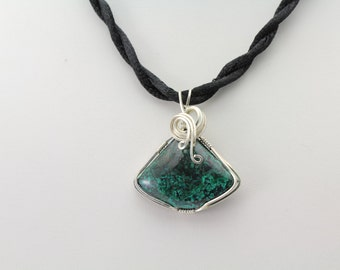 Malachite Pendant. Listing 496881313