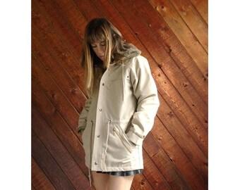 25% off Flash Sale . . . Hooded Fur Lined Rain Coat Jacket - Vintage 80s - SMALL