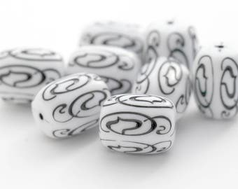 Vintage Black White Carved Etched Drum Barrel Lucite Beads 16mm (10)