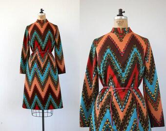vintage 1960s dress / 60s novelty print dress / 60s shift dress / 60s chains dress / 60s op art dress / 60s poly dress / medium large