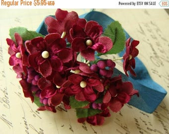ON SALE Vintage Bunch New/Old Stock Millinery Flowers