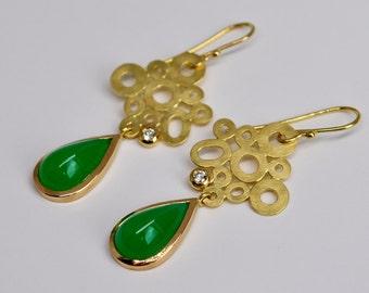 18k yellow gold filigree earrings, chrysoprase drops and diamonds