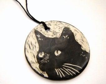 Black Cat Ornament – sgraffito pottery – home décor – gift tag – black and white – ceramic decoration – gift for the cat lover