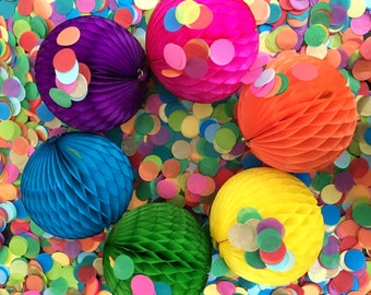 HONEYCOMB BALL 5 INCH / Tissue paper decorations / wedding decorations / party decorations / nursery decorations / honeycomb balls / garland
