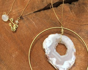 Agate slice and brass ring necklace