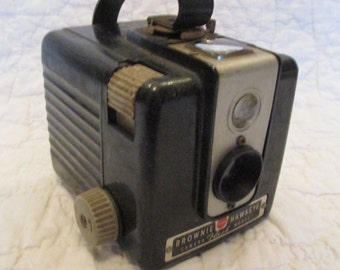 Vintage Kodak Brownie Hawkeye Camera Flash Model 1950's