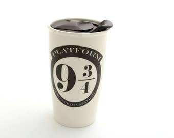 Harry Potter travel mug - large ceramic travel mug - open and close lid - Platform 9 3/4 Kings Cross - Hogwarts Express