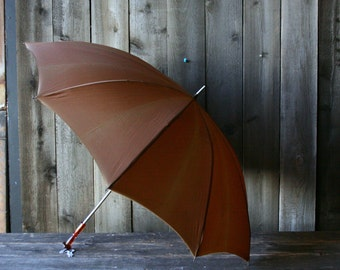 Vintage Umbrella Brown Mid Century With Amber Handle 1950s Vintage From Nowvintage on Etsy