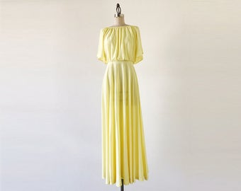Vintage 1970s Flutter Sleeve Pale Yellow Pastel Polyester Maxi Dress - S