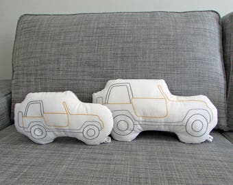 jeep shaped pillow, jeep cushion, plush jeep, vehicle pillow, MADE TO ORDER