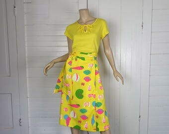 Seashell Print Skirt + Top in Yellow & Neon- 1970s / 70s Wrap Skirt, Keyhole- Small